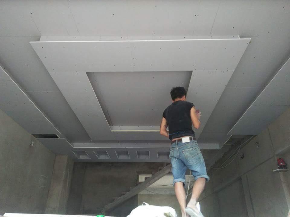 Thợ thi công trần thạch cao chuyên nghiệp