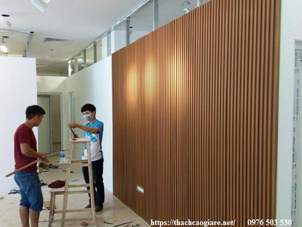 thi công lam gỗ nhựa